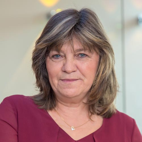 Frau Faltermayer Arzthelferin